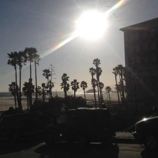 รูปภาพถ่ายที่ Casa Del Mar Hotel โดย Jerome M. เมื่อ 5/26/2012