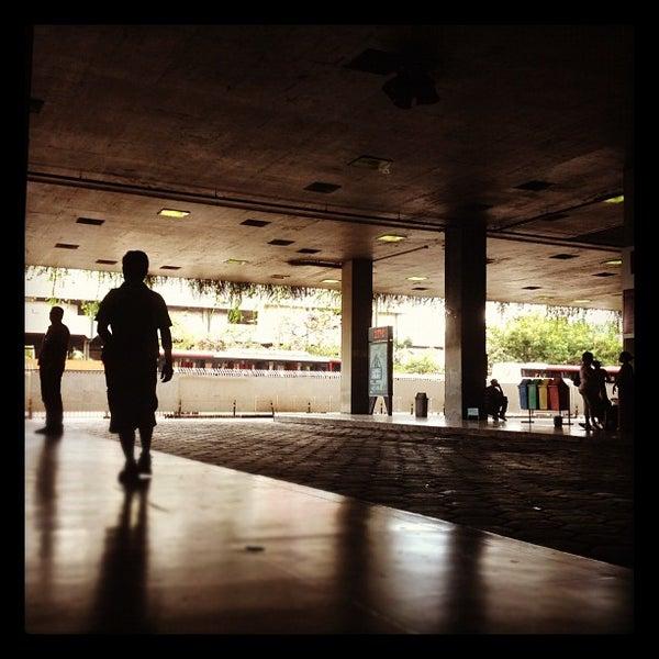 Photo taken at Terminal Rodoviário Governador Israel Pinheiro by Glauco F. on 4/9/2012