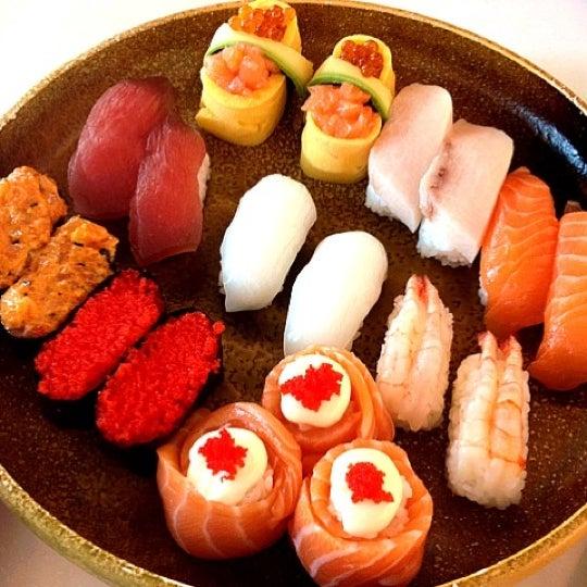 Photo taken at Sakae Sushi by Soondae S. on 4/15/2012
