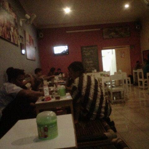 Photo taken at Kedai Ayee by Maulana Odie P. on 7/11/2012