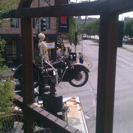 Снимок сделан в Twisted Spoke пользователем Allan T. 8/23/2012