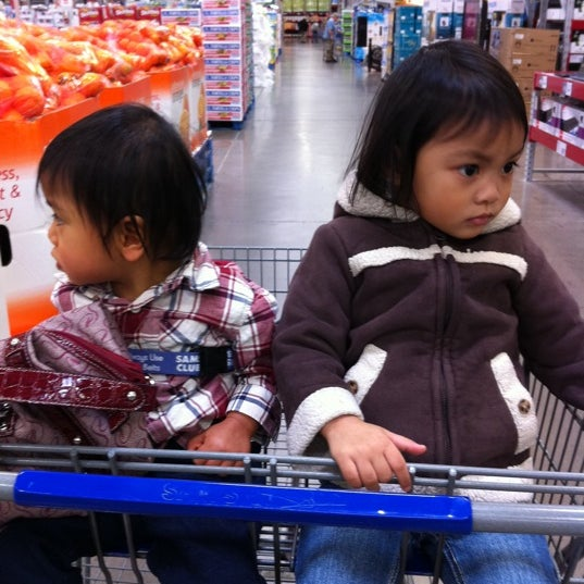 Photo taken at Sam's Club by Ivy Rose M. on 2/17/2012