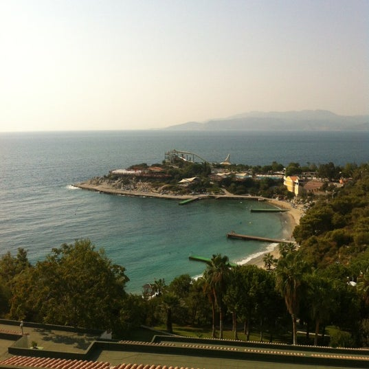 9/8/2012 tarihinde Mahir A.ziyaretçi tarafından Pine Bay Holiday Resort'de çekilen fotoğraf