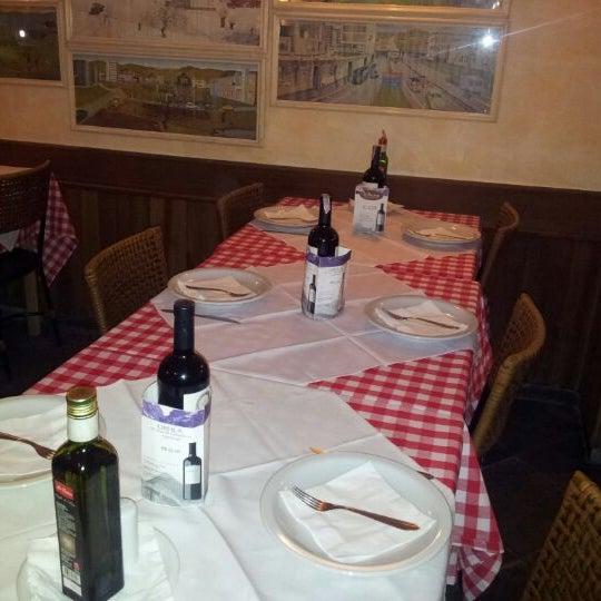 Foto tirada no(a) Di Andrea Gourmet Pizza & Pasta por Flávio N. em 4/2/2012