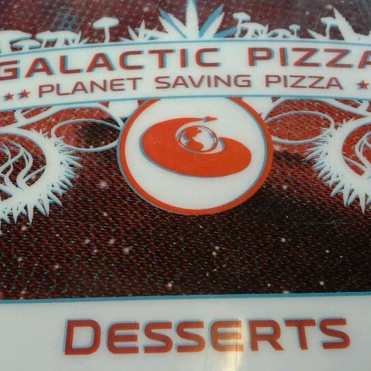 Foto tomada en Galactic Pizza por scott a. el 3/3/2012
