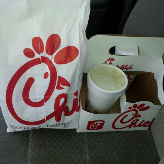 Photo taken at Chick-fil-A Bowie by Stephanie R. on 8/8/2012