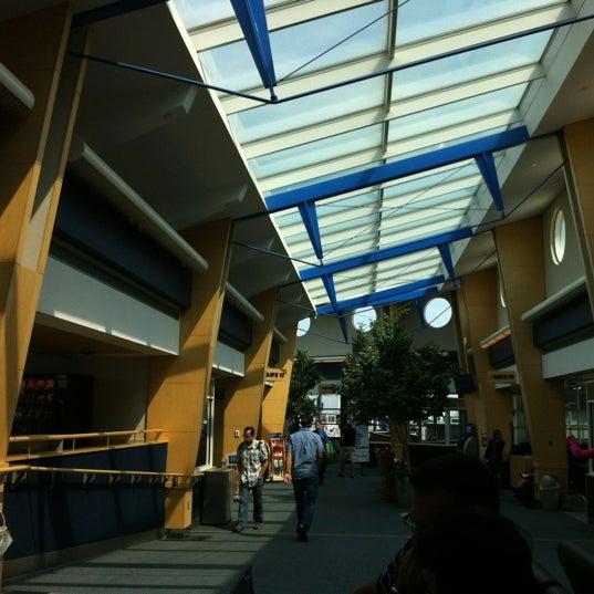 Foto tomada en Burlington International Airport (BTV) por Janis M. el 7/14/2012