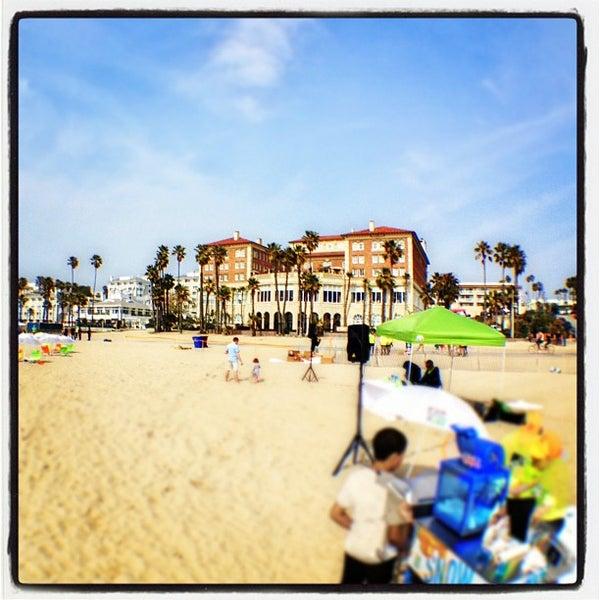 รูปภาพถ่ายที่ Casa Del Mar Hotel โดย John H. เมื่อ 3/30/2012