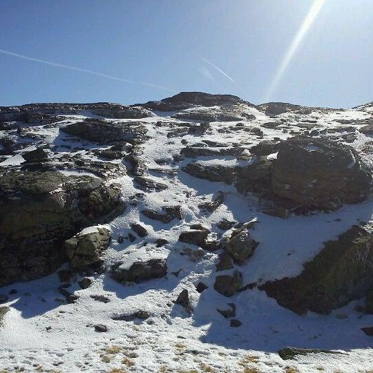 Foto tirada no(a) Serra da Estrela por Hugo M. em 2/10/2012