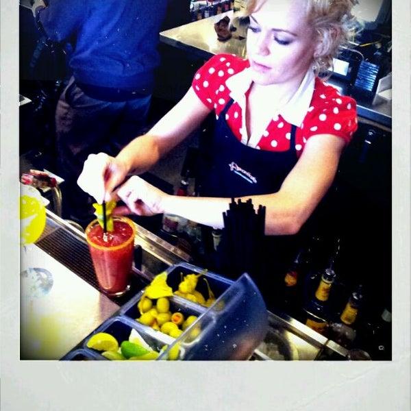 Снимок сделан в Annie's Cafe & Bar пользователем BigRyanPark 2/11/2012