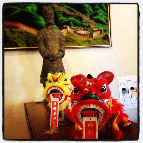 Снимок сделан в Golden Plaza Chinese Restaurant пользователем Ivan V. 5/7/2012
