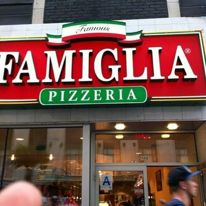 Famous famiglia pizza place in new york for Casa famiglia new york