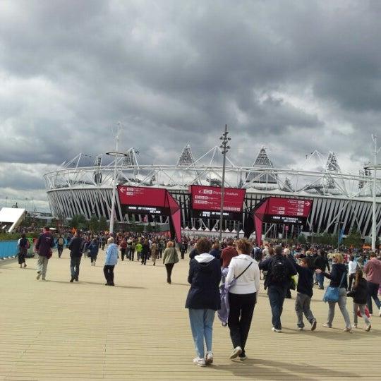 8/30/2012 tarihinde Quoc T.ziyaretçi tarafından Queen Elizabeth Olympic Park'de çekilen fotoğraf