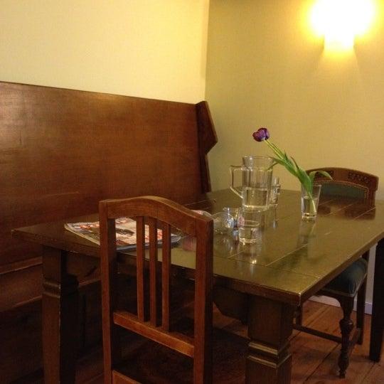 Das Foto wurde bei Pasta Presti von Sveta P. am 5/2/2012 aufgenommen