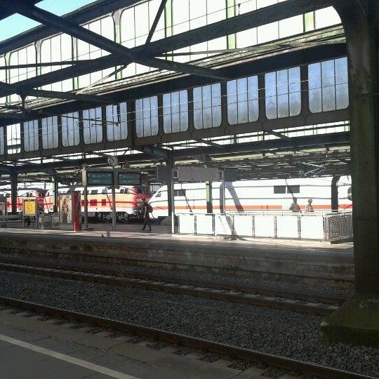 Photo taken at Duisburg Hauptbahnhof by Trueffelhamster on 8/16/2012