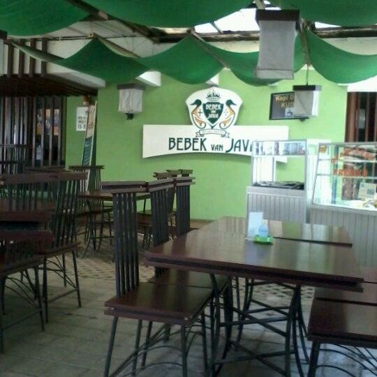 Photo taken at Bebek Van Java by andika edo saputra on 2/26/2012
