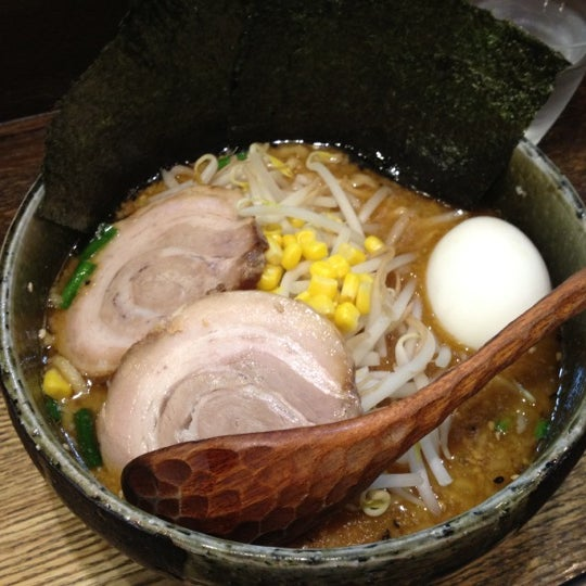 Photo taken at Do Miso by Hirotomo A. on 4/15/2012
