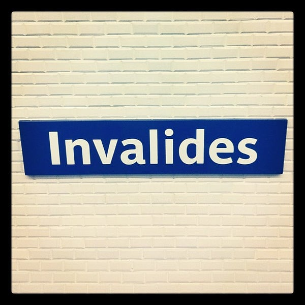 Photos at Métro Invalides [8,13] - Invalides - Quai d\'Orsay