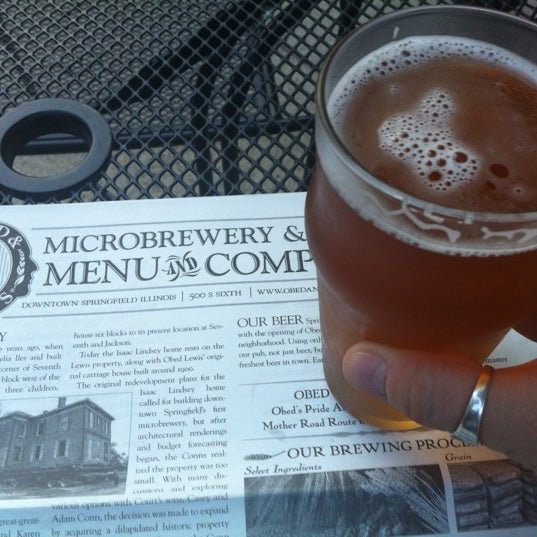 Photo taken at Obed & Isaac's Microbrewery and Eatery by Ivy B. on 5/27/2012