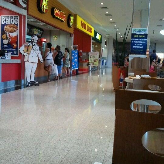 Foto tirada no(a) Boulevard Shopping Campos por Ausberto C. em 2/24/2012