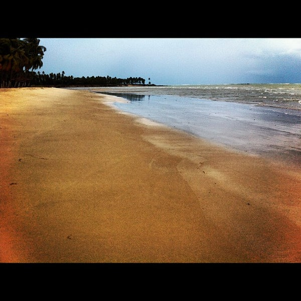 Foto tirada no(a) Praia de Paripueira por Nicolas H. em 8/19/2012
