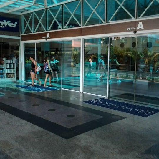 Foto tirada no(a) Shopping Neumarkt por Valter Joao Da S. em 2/17/2012