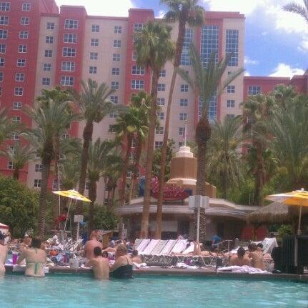 Photo taken at Flamingo GO Pool by Jenilee B. on 7/19/2012