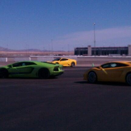 Foto tirada no(a) Exotics Racing por Claudia Never the M. em 2/26/2012