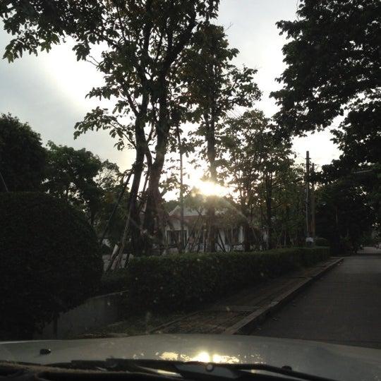 Photo taken at ลานใส่บาตร by Som O D. on 7/5/2012
