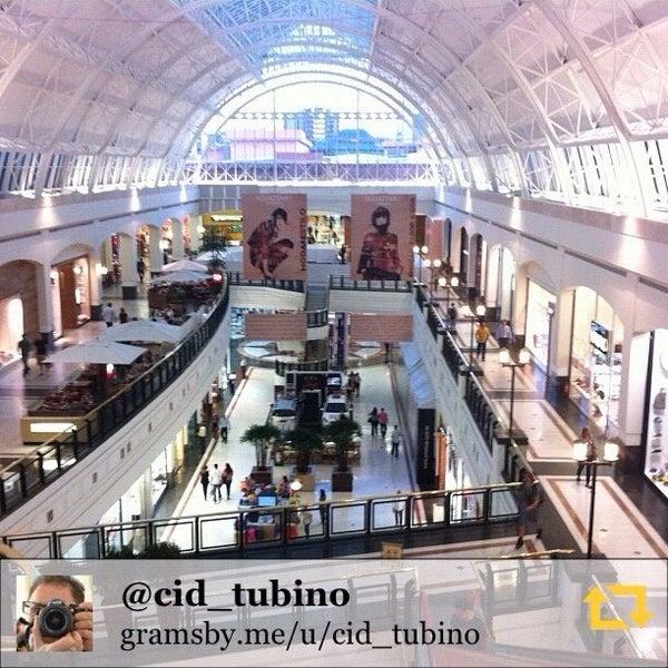 Photo taken at Shopping Iguatemi by Cid T. on 8/23/2012