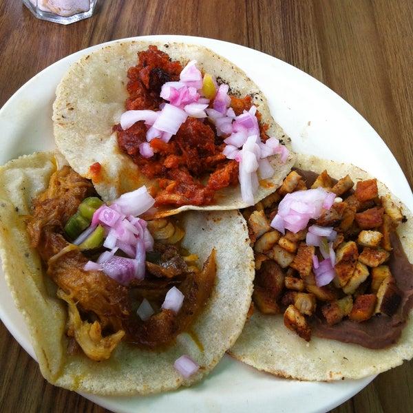 No había encontrado un lugar en Cancún que sirvieran unos deliciosos tacos de cochinita y claro acompañado de su cebolla morada elaborada con naranja agria