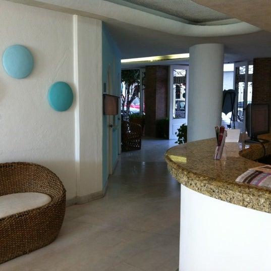 Foto tomada en Emperador Hotel & Suites por CARLOS G. el 3/12/2012