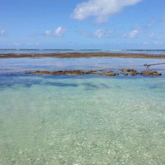 Foto tirada no(a) Praia de São Miguel dos Milagres por Dani E. em 6/20/2012