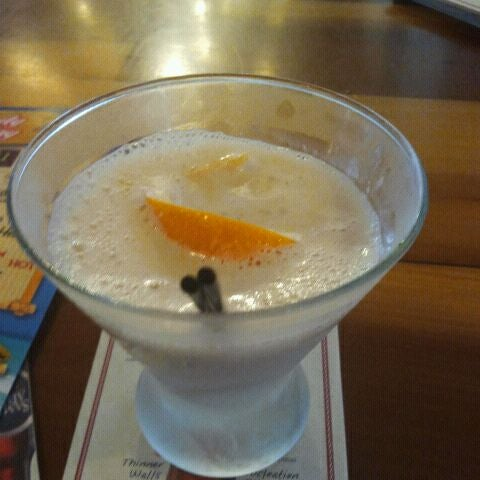 Photo taken at Hooters by Mercedes B. on 5/20/2012