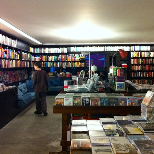 Photo taken at Livraria da Vila by Claire C. on 2/21/2012