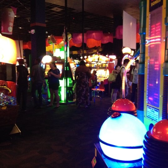 Photo taken at Dave & Buster's by Sarone K. on 8/3/2012