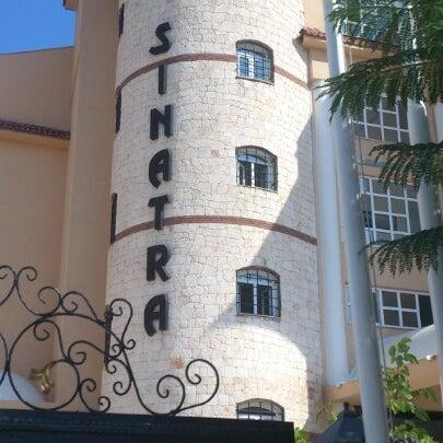 7/31/2012 tarihinde Pavel D.ziyaretçi tarafından Sinatra Hotel'de çekilen fotoğraf