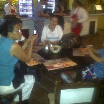 Foto tomada en Restaurante Tony por Oscar Ivan R. el 7/18/2012