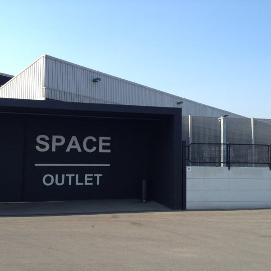 Prada - Space Outlet - Clothing Store in Montevarchi
