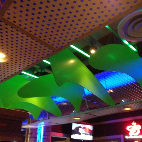 Photo taken at Chili's Grill & Bar by James E. L. on 5/19/2012