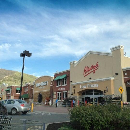 Walmart Supercenter Big Box Store In Centerville