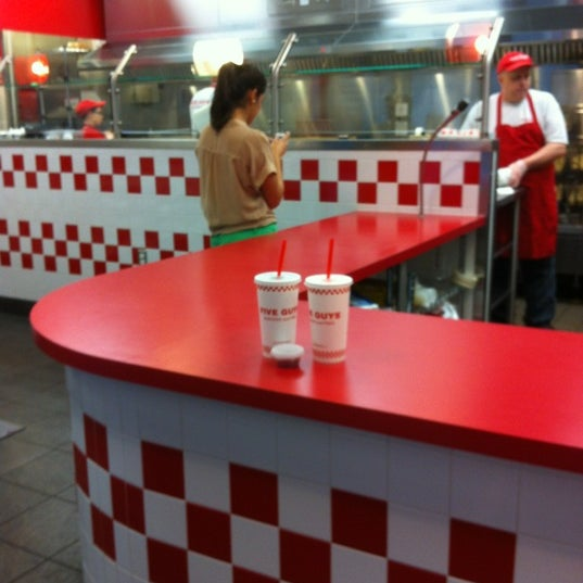 Photo taken at Five Guys by Raymond071 on 6/30/2012