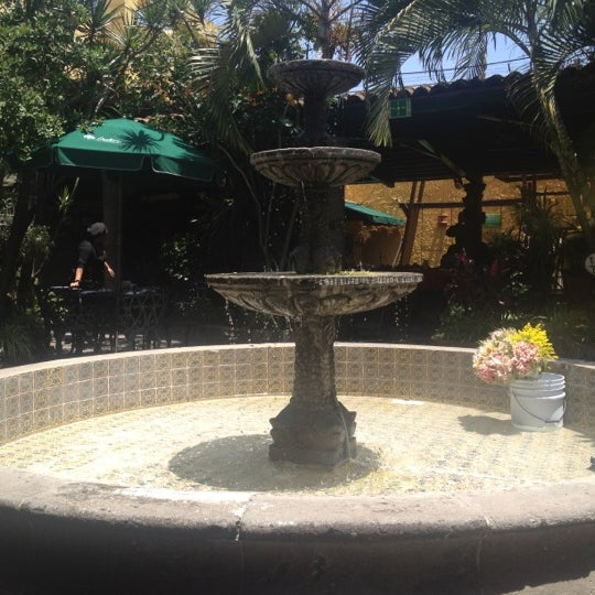 Foto tomada en El Patio por Alejandro L. el 7/22/2012