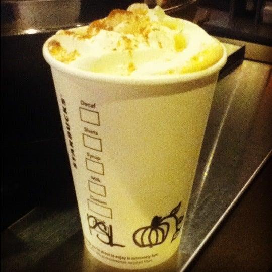 9/2/2012에 Erika G.님이 Starbucks에서 찍은 사진