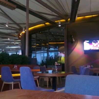 8/10/2012 tarihinde Emrah K.ziyaretçi tarafından Ve Cafe & Restaurant'de çekilen fotoğraf