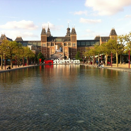 Where's Good? Holiday and vacation recommendations for Amsterdam, Netherlands. What's good to see, when's good to go and how's best to get there.
