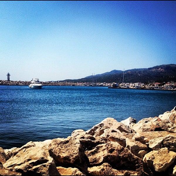 9/8/2012 tarihinde Dogukan G.ziyaretçi tarafından Küçükkuyu Limanı'de çekilen fotoğraf