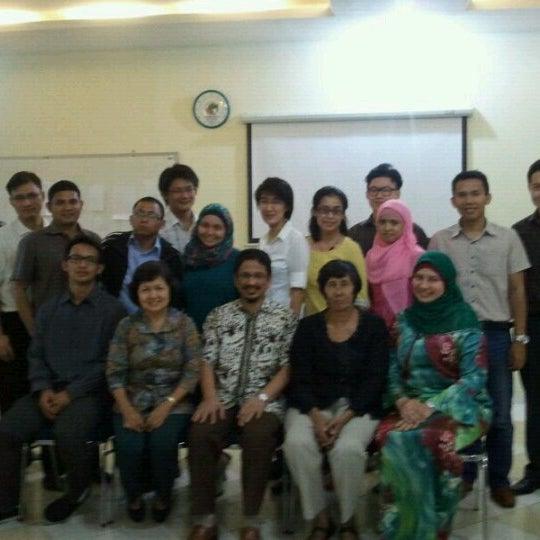 Photo taken at Fakultas Kedokteran Universitas Indonesia by Na S. on 9/13/2012