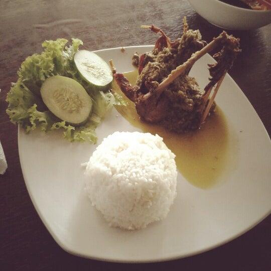 Photo taken at Bebek Van Java by Nadiya T. on 7/14/2012