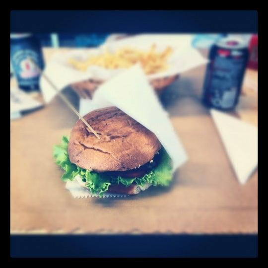 Photo taken at Biber Burger by Kadir K. on 4/13/2012